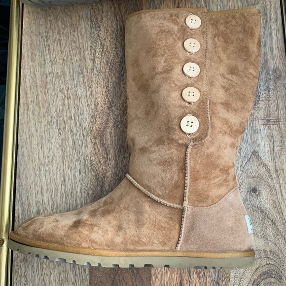 c4f84932583 Authentic Ugg boots